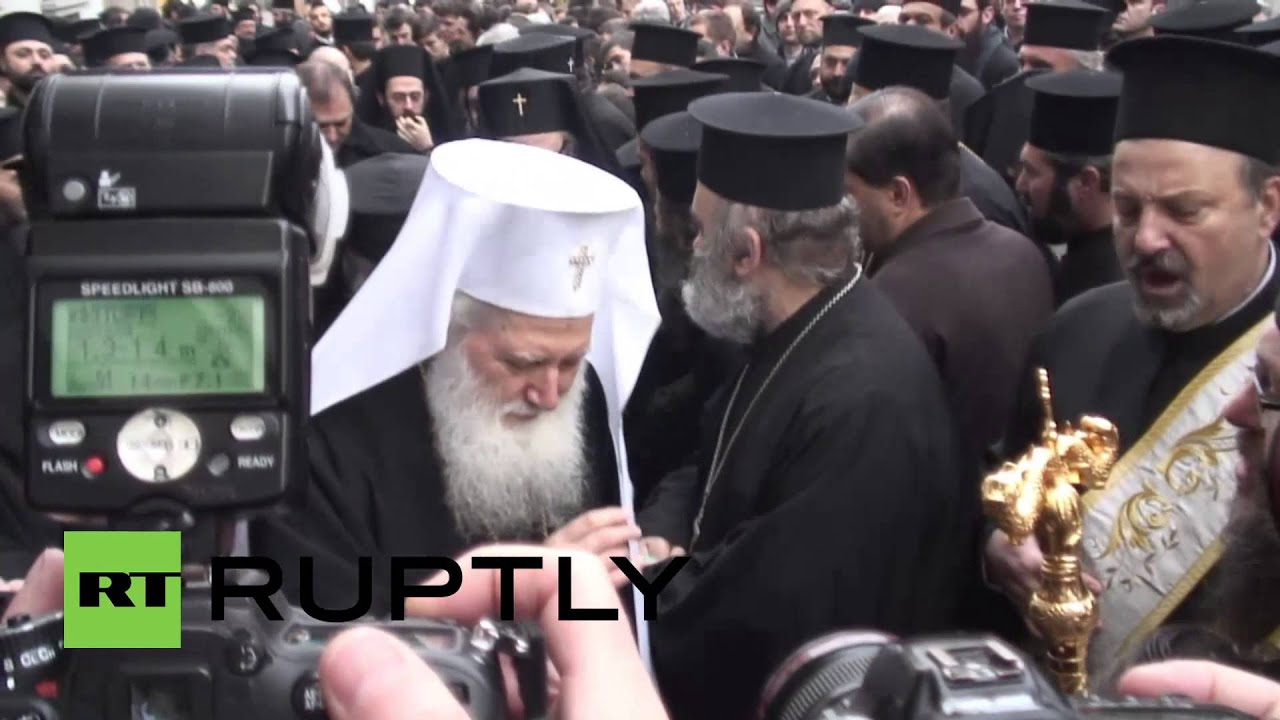 Bulgaria: Orthodox priests protest over ownership of Alexander Nevsky Cathedral