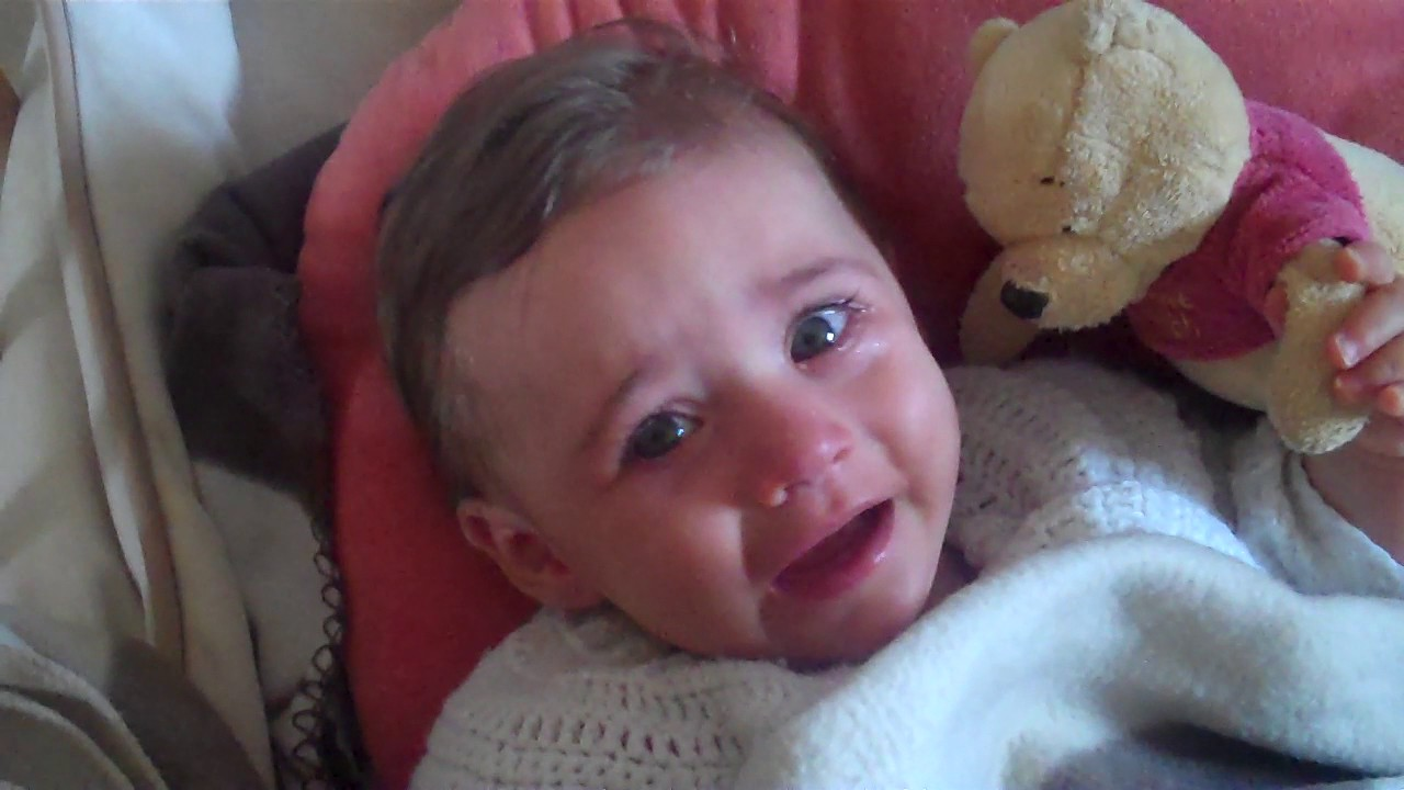Beau Bebe Petite Fille Qui Pleure Trop Mignon Youtube