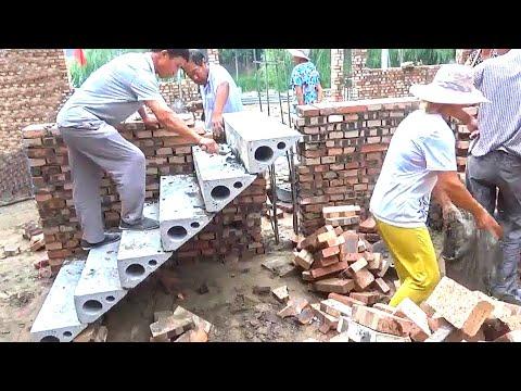 عمال بناء من