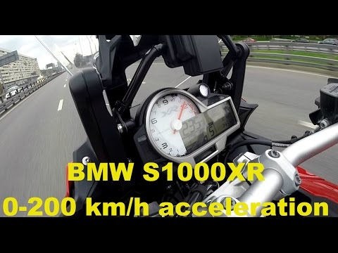 BMW S1000XR 0-200 Km/h Acceleration And Fast Traffic Filtering