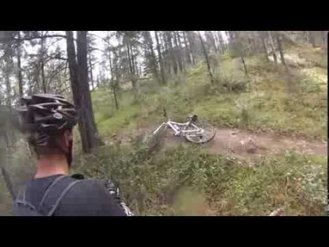 Un Grizzli attaque deux randonneurs à vélo 2014! GO PROde YouTube · Durée:  4 minutes 33 secondes