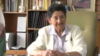 Medalla de Honor Sanmarquina a Rectora de la UNIFE, Dra Elga García Aste por Dia de la Mujer