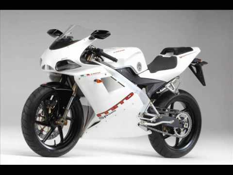 aprilia rs 125 vs cagiva mito 125 youtube. Black Bedroom Furniture Sets. Home Design Ideas