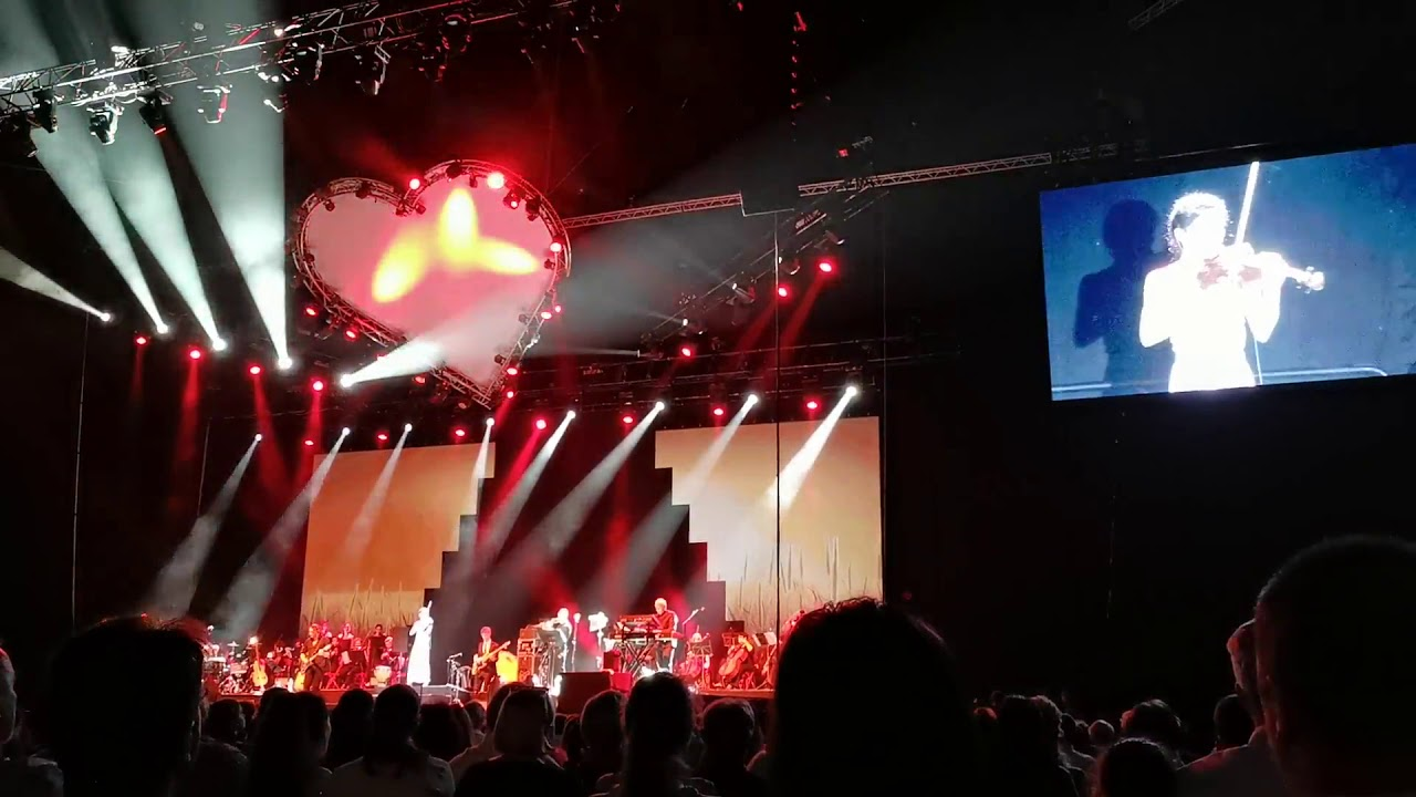 Vanessa Mae in concert, 2019.05.24, Budapest 22:33 - YouTube