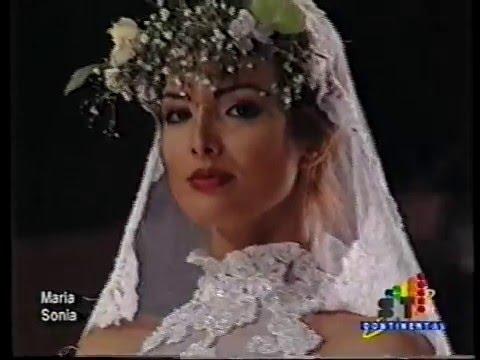 Hora Desfile Maria Models A Te American La School Del Sonia International WDIeYbH29E