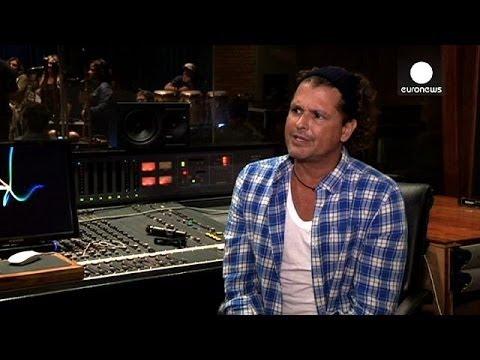 Entrevista exclusiva con el cantante colombiano Carlos Vives, versión completa - le mag
