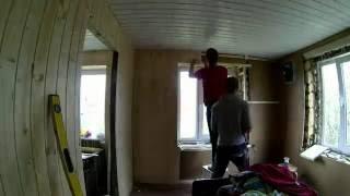 видео Демонтаж деревянного дома по низкой цене. Демонтаж старых деревянных домов Снос 24