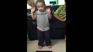 baby 2 years old dancing to dance central jerk on the xbox