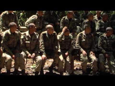 El Hombre de las Serpientes de Eric FLANDIN con Franz FLOREZ - trailer