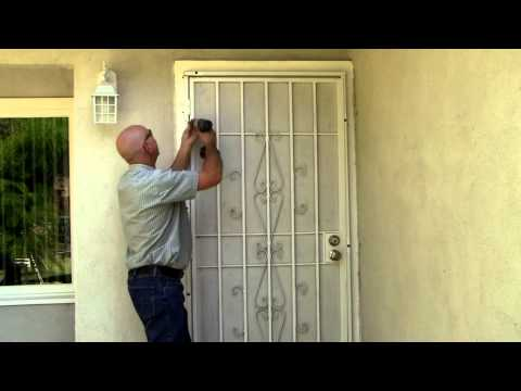Cómo eliminar una puerta de seguridad de acero (Español)