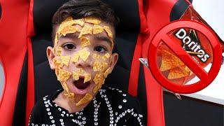 Nunca abra o pacote de chips errado! Open a packet of chips - بائع أحذية حلوة - Lucas Rocha  Doritos