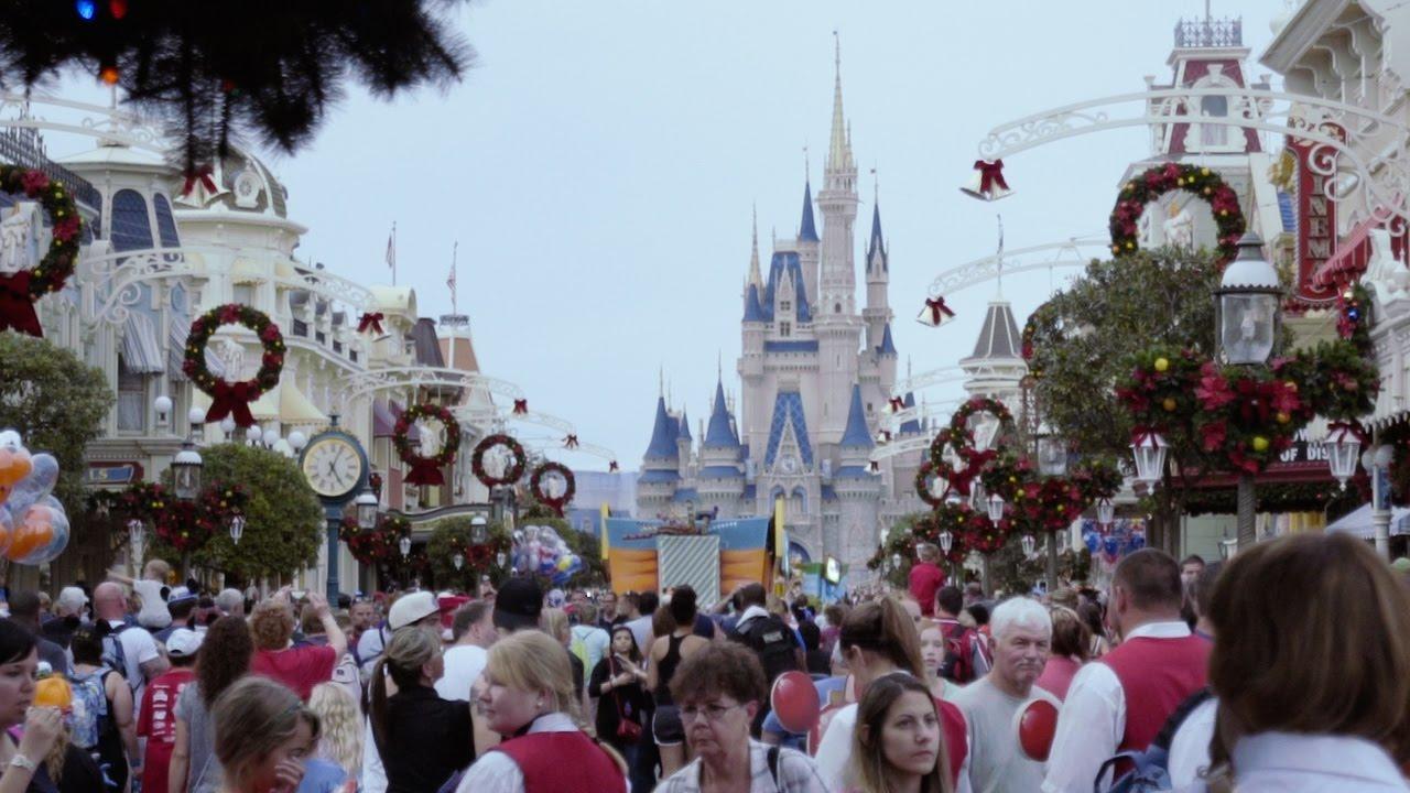 a very main street christmas mickeys very merry christmas party 2015 magic kingdom disney world - Disney Christmas Party 2015