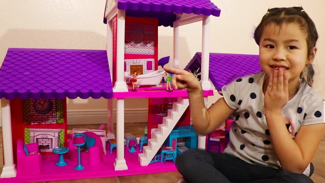 Jannie Gets A New Dollhouse Play Set Playing Assembling New Toys