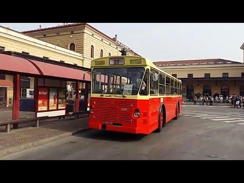 Bologna, l'autobus 37 simbolo della strage del 2 agosto torna in stazione