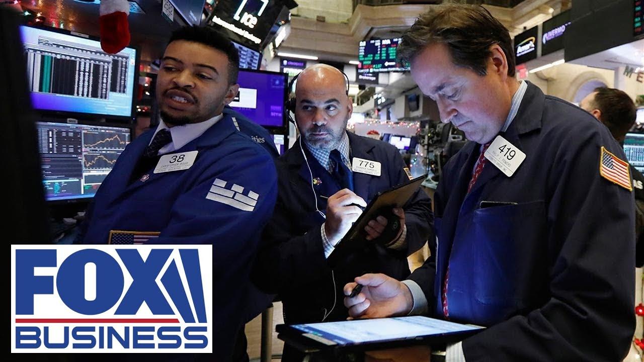 Stocks fall on coronavirus fears, global growth concerns
