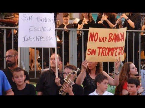 PROTESTAS PARA PEDIR UN PROFESOR DE TROMPETA EN LA ESCUELA DE MÚSICA DE LEGANÉS