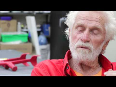 Mark di Suvero visits Studio in a School's visual arts program at the Neighborhood School