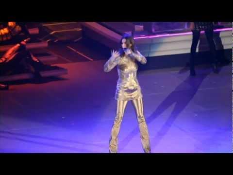 Laura Pausini - Con La Musica En La Radio (Inedito Live World Tour)