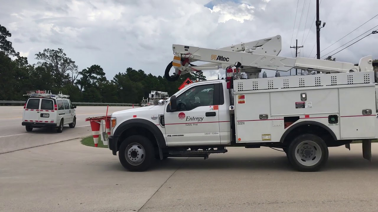 100 Entergy Texas crews headed to assist with Hurricane Michael response