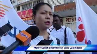 UMW-Mercy mission in Kg. Inarad, Tongod. **Mercy Sabah chairman Dr Helen Lasimbang