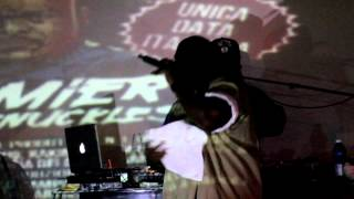 "Bumpy Knuckles & Dj Premier Perform ""Who Knows Why"" Pete Rock Tribute KoleXXXion Tour 2012 Italy"