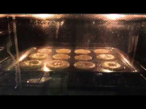 WATCHING SUPOER MOIST PARTY RAINBOW CHIP CUPCAKES RISE~ (UN