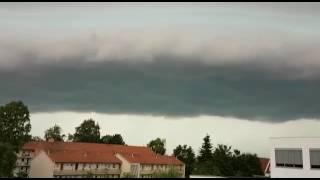 عاصفة تضرب شمال ألمانيا وتعرقل حركة النقل (فيديو+صور)