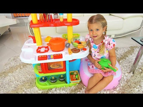 Roma and Diana Pretend Play Cooking Food Toys with Kitchen P
