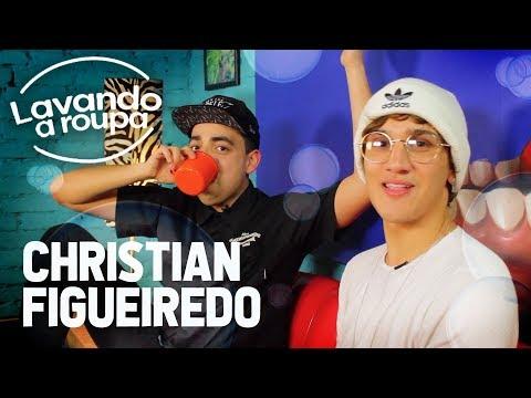 CHRISTIAN FIGUEIREDO LAVANDO A ROUPA