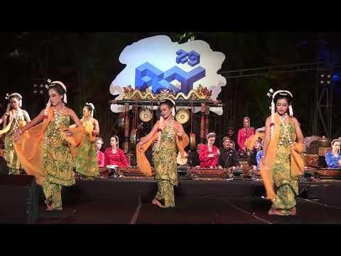 Tari Gambyong Pareanom PKJT - Festival Kesenian Yogyakarta 2017