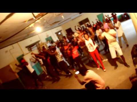 Dancehall Workshop by Nina Chikitita and Kapachi F