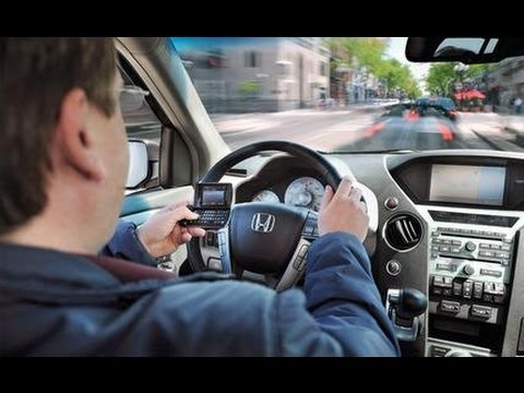 Texting While Driving: How Dangerous is it? – CAR and DRIVER