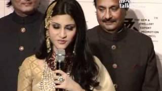 Konkona Sen Sharma walks the ramp for Amrapali at the India International Jewellery Week (IIJW)