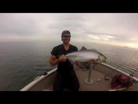 JIGGING Lake Michigan King Salmon!