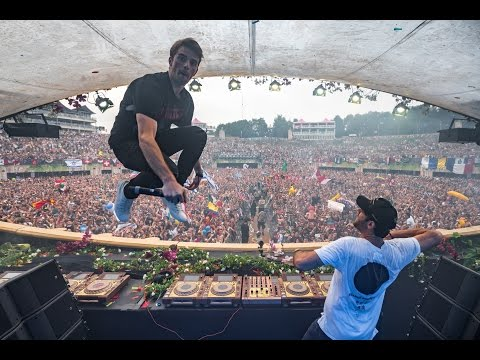 Tomorrowland Belgium 2016 | The Chainsmokers