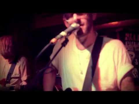Male Bonding - Bones (LIVE VIDEO)