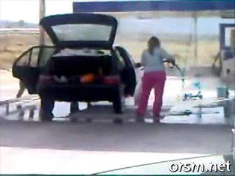 Tvätta bilen invändigt