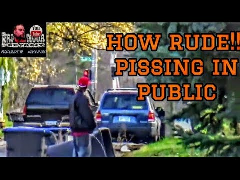 public pissing tube