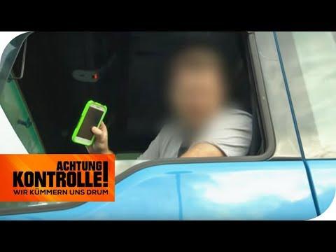 Tödliche Gefahr: LKW Fahrer hat Handy in der Hand! | Achtung Kontrolle | kabel eins