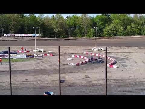 Hilltop Speedway mini wedges heat 2.