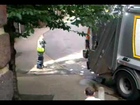 bin men leaving rubbish in my street