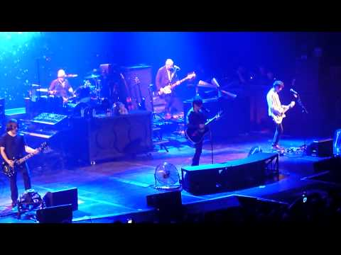 Meteor Club Tour Paris Grand Rex  29/01/2011  Je t'aime Tant - Junior Song - Little Dolls