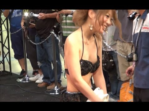 ビキニのサイズが合ってないキャンギャル AIWA  東京オートスタイル2012 sexy