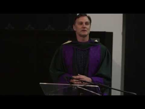 David Morrissey accepts his Honorary Doctorate
