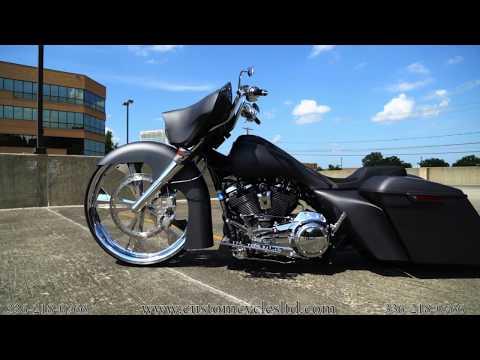 Custom Cycles LTD Gray 2017 Street Glide 30 inch wheel Bagger Harley Davidson