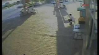 Pompayı söken kadın sürücü böyle görüntülendi