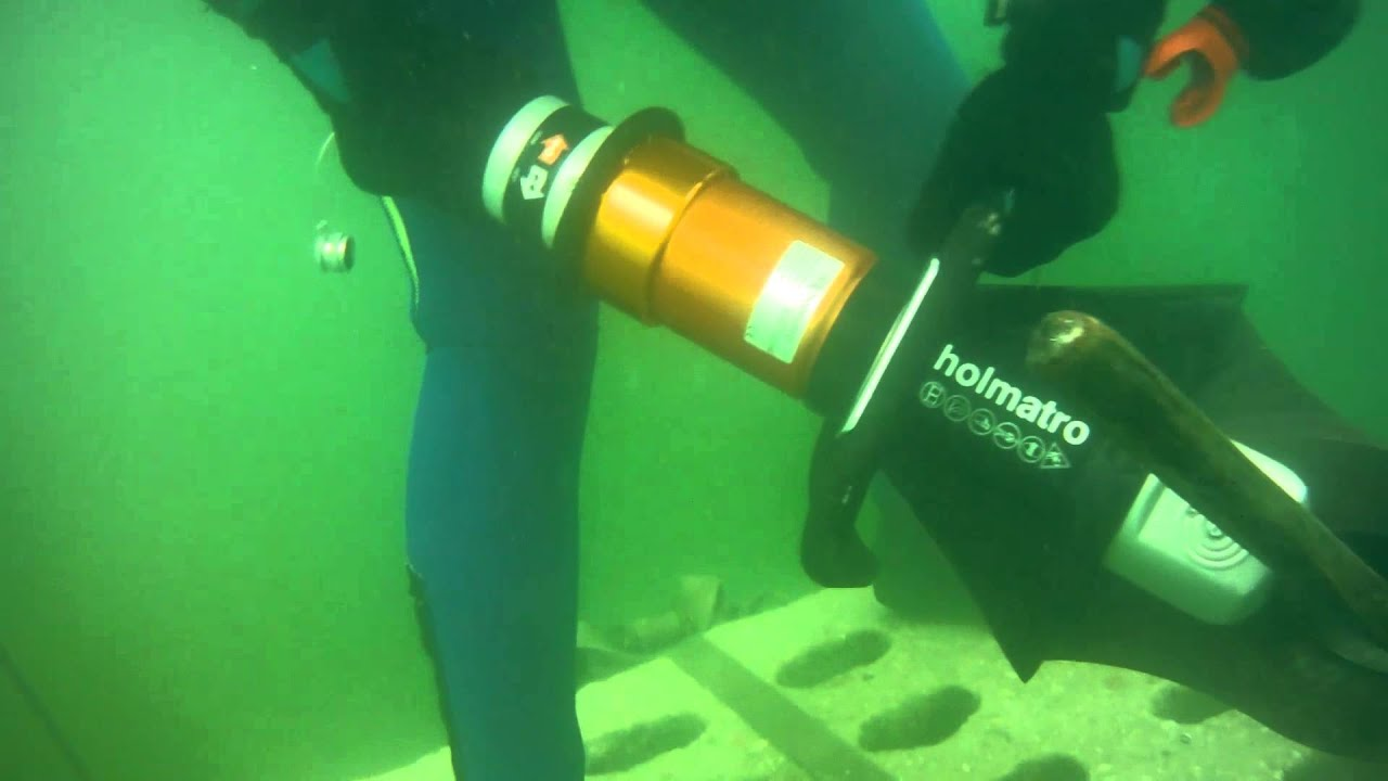Under water use of Holmatro tools