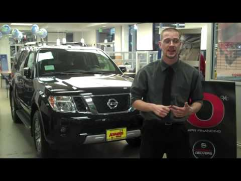 nissan pathfinder vs toyota 4runner seattle youtube. Black Bedroom Furniture Sets. Home Design Ideas