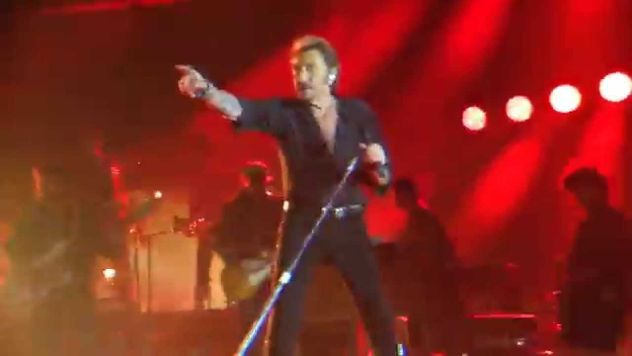 johnny hallyday allumer le feu rester vivant tour lille 10 octobre 2015 youtube. Black Bedroom Furniture Sets. Home Design Ideas