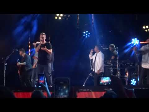 The Backstreet Boys join Florida Georgia Line on stage to sing